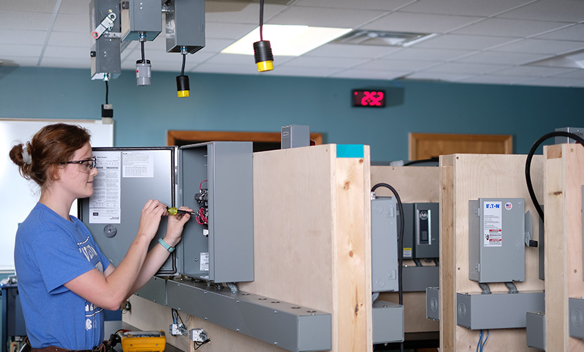 Electrical & Electromechanical Technology | Southeast Community College